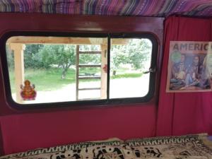 Hippiebus Paradies Apfelbaum (2)